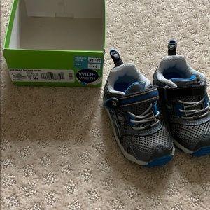 Brand new: Boys Stride Rite Tennis Shoe-WIDE